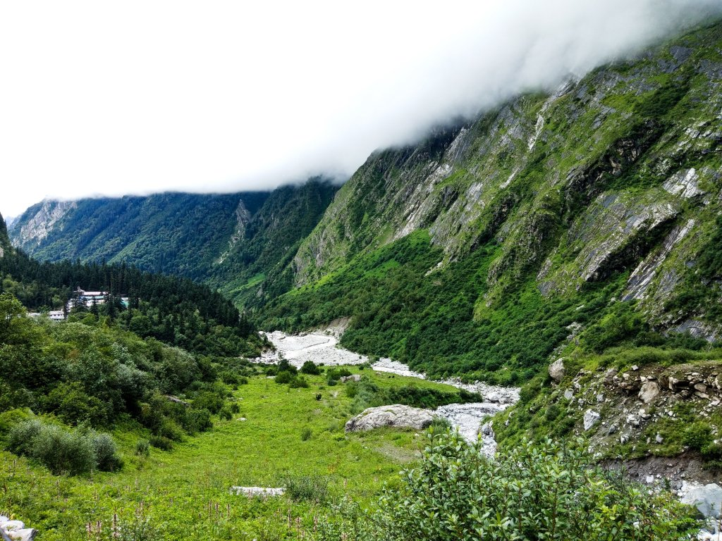 The lush green mountains in the path of Valley of Flowers